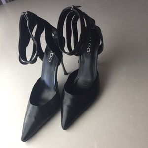 Aldo Black Heels w/Ankle Straps & Zip Back Closure
